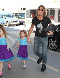 Their matching dresses are beyond adorable! (: