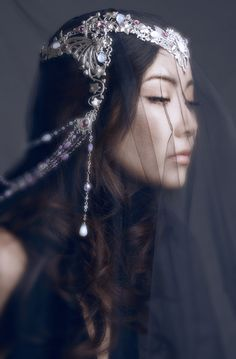 Photographer: Julie de Moura Jewelry: Amonseuldésir Hair/Makeup: Jenifer Groet Model: Yurie Nakatomi