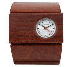 A wooden watch... hmm, me like.