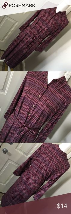 """Isaac Mizrahi Size XXL Abstract LS Dress EUC My daughter wore this once to a winter ceremony and it's been hanging in her closet ever since. It's from Isaac Mizrahi for Target and is an XXL long sleeved dress in a longer length. Has belt which ties at the waist and a fun abstract print of multiple shades of purple. Fabric is a poly knit, length of dress is 48"""" and pit to pit across the back measures 22"""" across unstretched, while waist measures 20"""" across flat. Thanks for looking! ☺ 🚫trades…"""