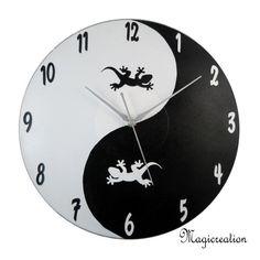 sur commande dans vos coloris horloge yin et yang lézards boutique www.magicreation.fr Clock, Boutique, Order Form, Wall Clocks, Watch, Clocks, The Hours