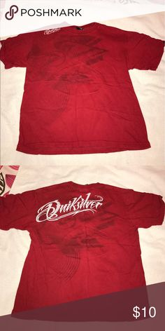 Red Quicksliver t-shirt In great condition. Very comfy and looks good with everything!! Shirts & Tops Tees - Short Sleeve