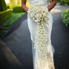 Unique Bridal Bouquets To Inspire Your Big Day.... Try with jasmine to have a beautiful smell