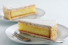Красивейший швейцарский торт, названный в честь столицы кантона Цуг. Цуг знаменит своими цветущими вишнёвыми садами, может именно поэтому торт называют вишнёвым. Цугскому торту часто придумывают разнообразные названия, потому что его оригинальное наименование до сих пор никем не запатентовано. В 2015 году Цугскому вишнёвому торту исполнится 100 лет! Своё триумфальное шествие десерт начал с 1923 года, когда получил свою первую золотую […]