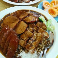 ข้าวหมูแดง หมูกรอบ กุนเชียง Thai Food