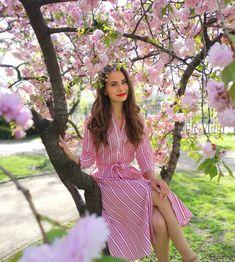 Ennél szebb időt nem is kívánhatnánk 😍 Ti mit szerettek legjobban a tavaszban? Short Sleeve Dresses, Dresses With Sleeves, Long Sleeve, Youtube Animals, Photography Ideas, Instagram, Makeup, Fashion, Make Up
