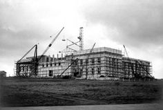 Auckland War Memorial Museum - Unknown-[Auckland-War-Memorial-Museum-under-construction. Built in 1929 Nz History, Auckland New Zealand, Memorial Museum, Old Images, Heart For Kids, The Province, Back In Time, Under Construction, Science And Nature