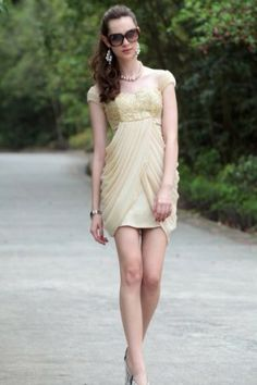 Graceful Sheath Square Neck Cap Sleeve Chiffon Short Cocktail/Homecoming Dress