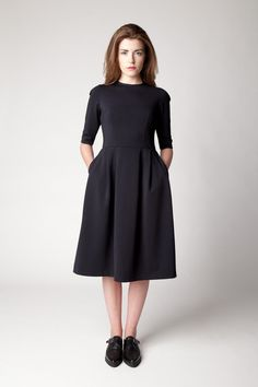 Lennon Courtney Bell Dress Courtney Bell, Belle Dress, Fashion Show, High Neck Dress, Dresses For Work, Chic, My Style, Vintage, Collection