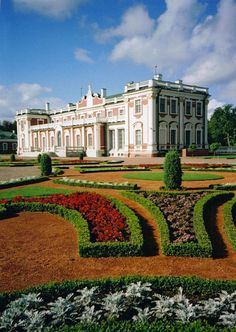 Kadriorg Palace, Tallinn, Estonia - Courtesy of Estonian Experience - Private Tallinn Tours & Baltic Tours - #Tallinn #Estonia - http://estonianexperience.com