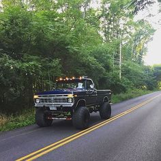 The road of life is a little bit more fun with a Dentside  76 F250, Owner: @william16339 #Dentside #F250 #liftedtrucks