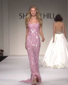 Sherri Hill Look Spring Summer 2018 Collection - Beautiful Embellished Backless Rose Slip Sheath Evening Maxi Dress / Evening Gown with Open Back, Spaghetti Straps and small Train. Runway Show by Sherri Hill Source by - Elegant Dresses, Pretty Dresses, Beautiful Dresses, Formal Dresses, Awesome Dresses, Casual Dresses, Wedding Dresses, Dresses Dresses, Long Dresses