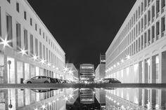 Roma EUR - Colosseo Quadrato architecturebuildingcitycolosseo quadratoeuritaliaitalylazionightpalazzo delle esposizioniromaromeskystreettravelurban http://ift.tt/1PwaAJe