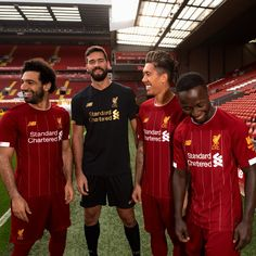 The Liverpool home kit introduces a super clean look in red, gold and white. It could be the last Liverpool jersey to be made by New Balance. Liverpool Team, Anfield Liverpool, Football Club Names, Football Shirts, Kids Football, Football Jerseys, Training, Shirts, Beauty Products
