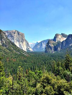 Yosemite is a place of natural wonder for guests from across the globe. Plan your trip with our first timer's travel guide for visiting Yosemite National Park! Us National Parks, Yosemite National Park, Oh The Places You'll Go, Places To Visit, California Camping, All Nature, Travel Usa, Travel 2017, Where To Go