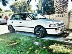 Corolla Hatchback, Jdm Cars, Toyota Corolla, Cars And Motorcycles, Old School, Automobile, Vehicles, Banks, Wheels