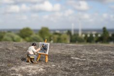 Slinkachu- Artist at work!