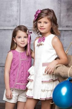 inspiration - love the smocking around the waist Cute Outfits For Kids, Outfits For Teens, Girl Outfits, Little Girl Dresses, Girls Dresses, Flower Girl Dresses, Young Fashion, Kids Fashion, Moda Kids