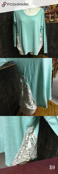 Really cool Rue 21 shirt Teal and cream long sleeve shirt, slight pilling, but that does give some character to this awesome top.  Lightweight and love the lacy side detail. Shirt is 25 inches long Rue21 Tops Tees - Long Sleeve