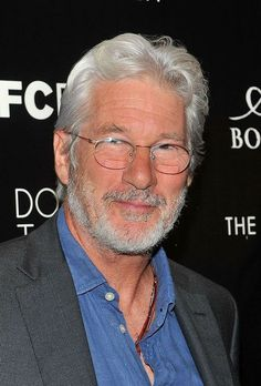 Richard Gere, Silver Hair Men, Men With Grey Hair, Best Hairstyles For Older Men, Robert Ri'chard, Grey Beards, Hollywood Men, Actrices Hollywood, Handsome Actors
