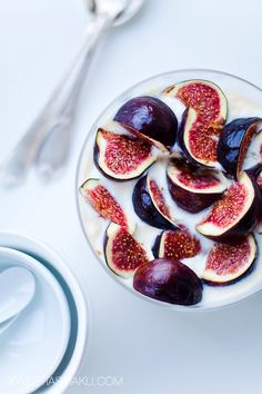 Image via We Heart It https://weheartit.com/entry/144208313/via/17108756 #breakfast #clean #cream #fig #figs #fit #food #foodporn #fruit #FRUiTS #healthy #yoghurt #cleaneating #byuttterly