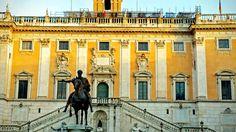 Na Janelinha para ver tudo: a Piazza del Campidoglio, obra arquitetônica de Mi...