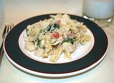 Herbed Cheese Pasta with Spinach and Chicken