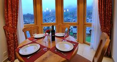 La Boheme - Carmen - ZERMATT - Switzerland - 450  CHF ###3½-room 86 m2 apartment on the 3rd floor  Maximum occupancy: 4 people (4-bed)  2 bedrooms: 1 double and 1 twin   A special feature of this apartment is the very high ceiling in the living and dini