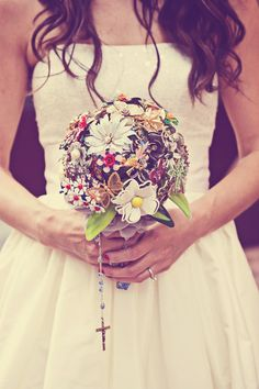 Loving the fun broach bouquet trend right now. photo by: Heidi S #minneapolisweddingphotographer