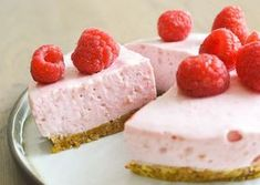 Discover best 3 healthy cake recipes that make your good healthy, low-calorie but still delicious. Healthy Pie Recipes, Healthy Cake, Healthy Sweets, Healthy Baking, Cake Recipes, Snack Recipes, Sugar Free Cheesecake, Weird Food, Cookie Desserts