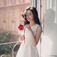 Korean Daily Fashion - Official Korean Fashion Gal Gadot Model, Daily Fashion, Fashion Online, Korean Couple, Chic Outfits, Asian Beauty, Korean Fashion, Sweet Hearts, Beautiful Women