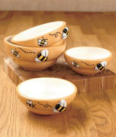 4 Pc Busy Bee Or Butterfly Stacking Bowls