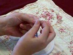 Comment enfiler un ruban à broderie sur une aiguille...