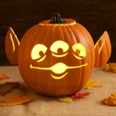 toy story alien pumpkin carving template - Cool Halloween Pumpkin Designs