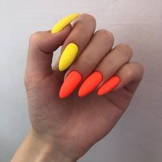 Make the most of this fall season by indulging in some fall nail art ideas. Here are the best Autumn Nails for 2019 perfect for Halloween and Thanksgiving. Nail Design Glitter, Nail Design Spring, Nails Design With Rhinestones, Glitter Nails, Summer Acrylic Nails, Cute Acrylic Nails, Acrylic Nail Designs, Summer Nails, Nagellack Design