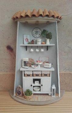 tejas decoradas Pottery Houses, Ceramic Houses, Doll House Plans, Tile Crafts, Ceramic Coasters, Miniature Houses, Fairy Houses, Recycling, Bottle Art