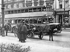 Berli 1930 Berliner Droschke und BVG Omnibus.