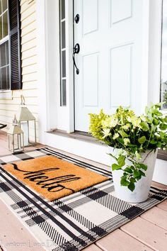 Outdoor Decor Ideas To Boost Your Home's Curb Appeal. Front Porch Decor Ideas Easy and affordable front porch decor ideas you can do to create a welcoming curb appeal for your home using a plaid rug, rocking chairs and some paint Style At Home, Farmhouse Style, Farmhouse Decor, Farmhouse Front, Modern Farmhouse, Farmhouse Lighting, Br House, House Roof, Diy Home Decor For Apartments