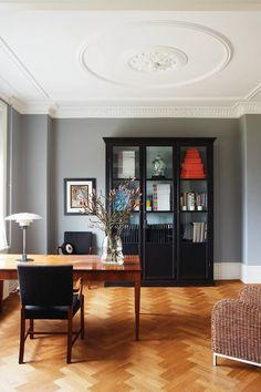 Nest by Tamara: Let's chat interior design, delicious food & quality English paint by Farrow & Ball Trending Paint Colors, Popular Paint Colors, Favorite Paint Colors, Farrow Ball, Best Interior Paint, Interior Design Books, Diy Interior, Modern Country Style, Neutral Paint Colors