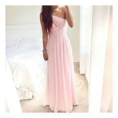 Znalezione obrazy dla zapytania dluga rozowa sukienka