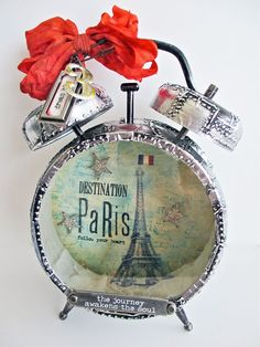 Tim holtz assemblage clock idea...so going to do this one day.