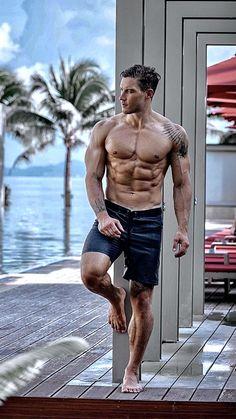 Men Abs, Sexy Men, Sexy Guys, Barefoot Men, Inked Men, Mens Flip Flops, Ideal Body, Male Feet, Athletic Men