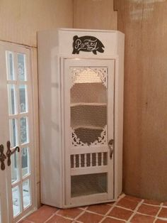 Chic Kitchen Remodel Dirty Facts About Diy Pantry Door Exposed Corner Pantry, Kitchen Corner, Stand Alone Kitchen Pantry, Pig Kitchen Decor, Real Kitchen, Glass Kitchen, Country Kitchen, Kitchen Ideas, Repurposed Furniture