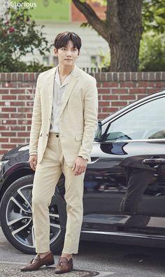 """[Drama] A pictorial starring Ji Chang Wook, """"Maketh Suit King"""" Korean Star, Korean Men, Korean Actors, Ji Chang Wook Smile, Ji Chan Wook, Dramas, Suspicious Partner Kdrama, Ji Chang Wook Photoshoot, Park Hyung Sik"""