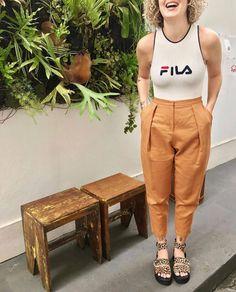 5 modelos de calça que vale a pena você experimentar este inverno #calça #calçacenoura #calçaclochard #calçaestampada #calçajeans #calçaswag #inspiração #looks #momjeans #pantacourt