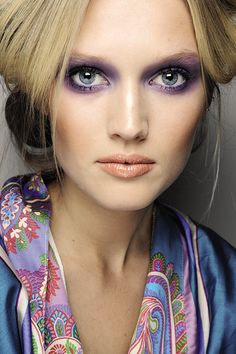 Spring makeup, Lavender eyeshadow,  matte peach lip. = parts flawless smokey eye and great coral pout