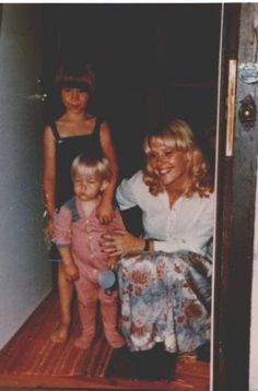 Lena Kallersjö, Emma and Anna. Ulvaeus then married music journalist Lena Kallersjö on 6 January This marriage produced two daughters: Emma (born in and Anna (born in Grupp, Two Daughters, Kinds Of Music, Pop Group, The Beatles, Role Models, Dancing, Rabbit, January