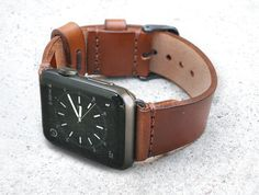 APPLE WATCH Leather Strap, Handmade italian vegetable tanned band with adapters Apple Watch Bracelets, Apple Watch Bands, Bracelet Watch, Apple Watch Leather Strap, Leather Hats, Leather Bracelets, Apple Watch Iphone, Apple Watch Series 2, Quartz Watch
