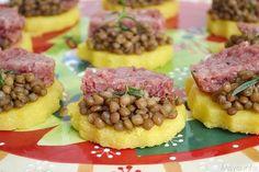 » Tartine di polenta con lenticchie e cotechino Ricette di Misya - Ricetta Tartine di polenta con lenticchie e cotechino di Misya