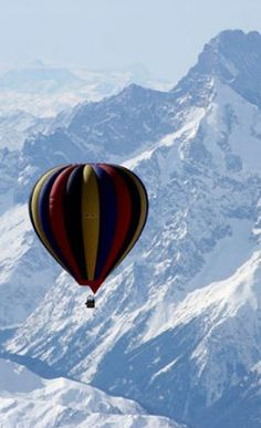 Balloon Expedition over Mt. Everest